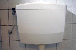 Stortbak toilet vervangen